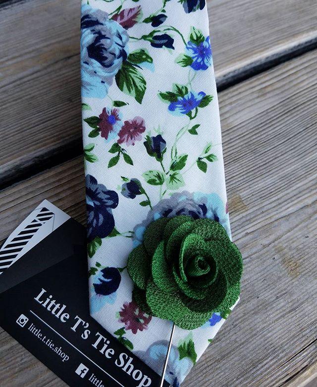 skinny tie -10.00 *floral print *lapel -5.00  #lapels #flowerlapels #tiesforsale #tieshop #skinnytie #skinnytiesforsale #slimties #floralties #floralprintties #tiesformen #ties #floraltie #mensattire #menstyle #skinnyties #tiesforsale #lapelsforsale #lapelpin #tiesandlapels #instashop #shopsofinstagram #shopsmall #workattire #dapper #dresstoimpress #bisnessmen #looksharp #gentlemen #suitsandties