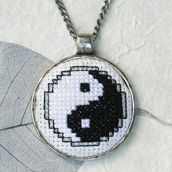 cross stitch necklace - Google'da Ara