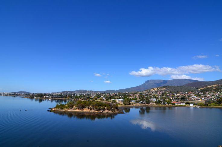 Hobart, seconda città più antica dell'Australia e capitale della Tasmania, offre molto sia a livello culturale che gastronomico.