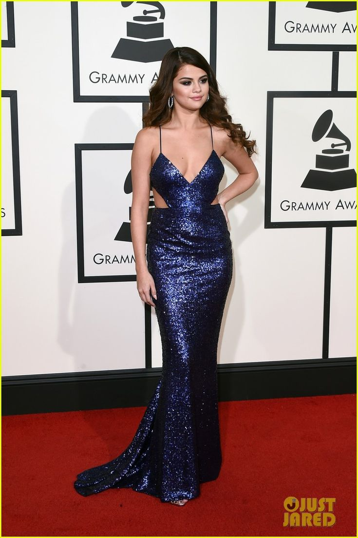 selena gomez grammys 2016 red carpet taylor swift 17