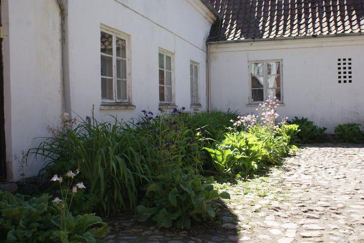 Malergården på Sjælland, der husede Sigurd Swane og familie, er et fint eksempel på hvorledes en landejendom med få midler kan vitaliseres....