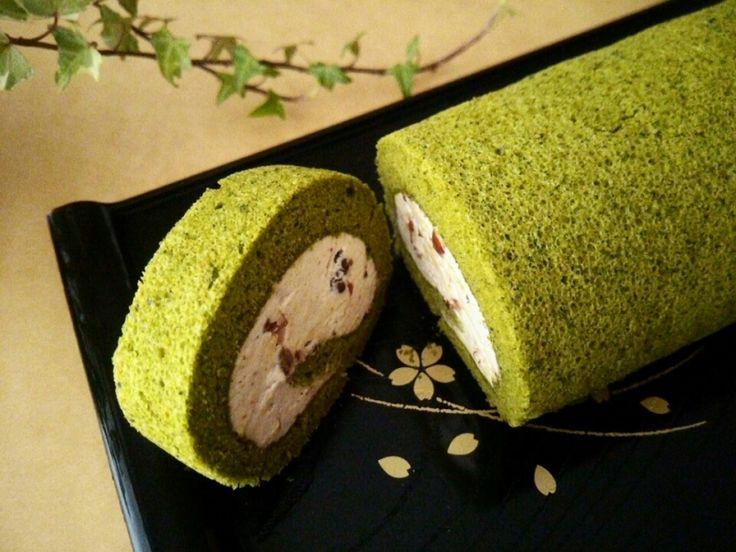 小豆クリーム入り抹茶のシフォンロールケーキ 型にはまったお菓子なお茶の時間