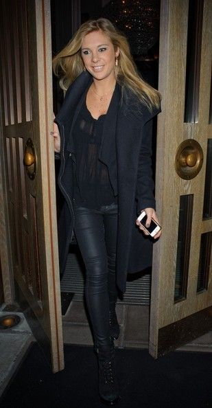 Chelsy Davy Photos: Chelsy Davy Leaves the Belgravia Hotel