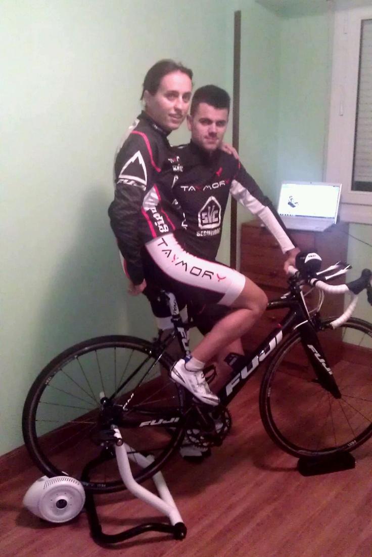 Ainhoa Murua y Jon Unanue BKOOL ciclismo 2.0