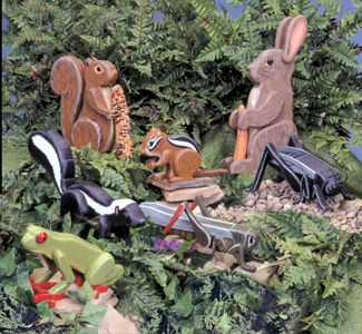 Garden Critters Woodcraft Pattern Seven realistic looking 3D garden critters that make cute displays in yards, gardens or flower beds. #diy #woodcraftpatterns