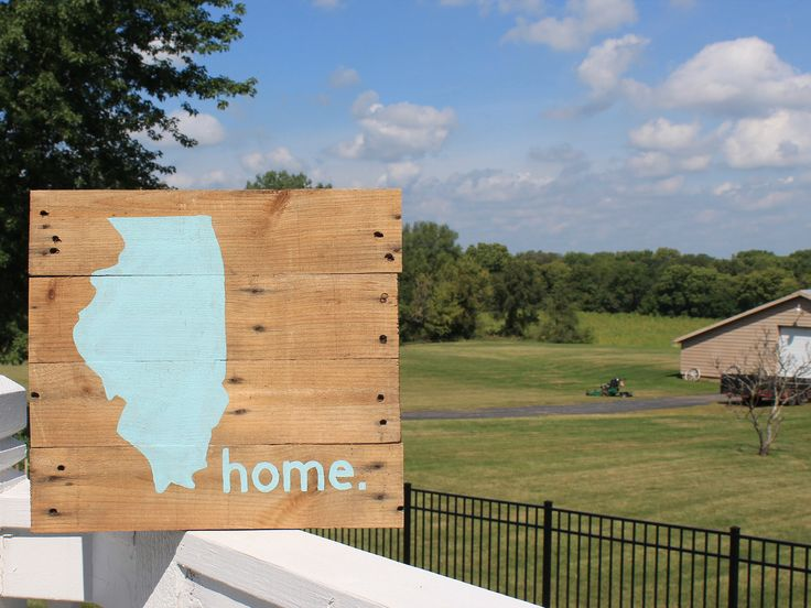 Illinois Home State Wood Sign, Rustic Wood Illinois Sign, Reclaimed Wood Sign, Pallet Wood Chicago Sign by CKwoodCo on Etsy https://www.etsy.com/listing/537562392/illinois-home-state-wood-sign-rustic