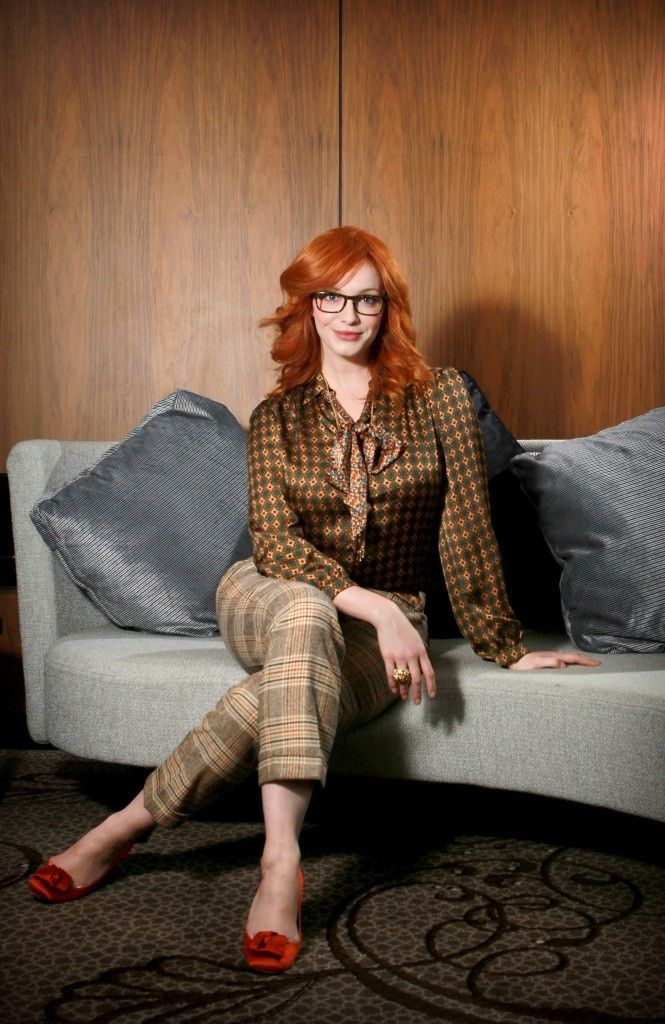 "6d2f4a33988d watikalemonnews  "" (via Christina Hendricks Glasses) """