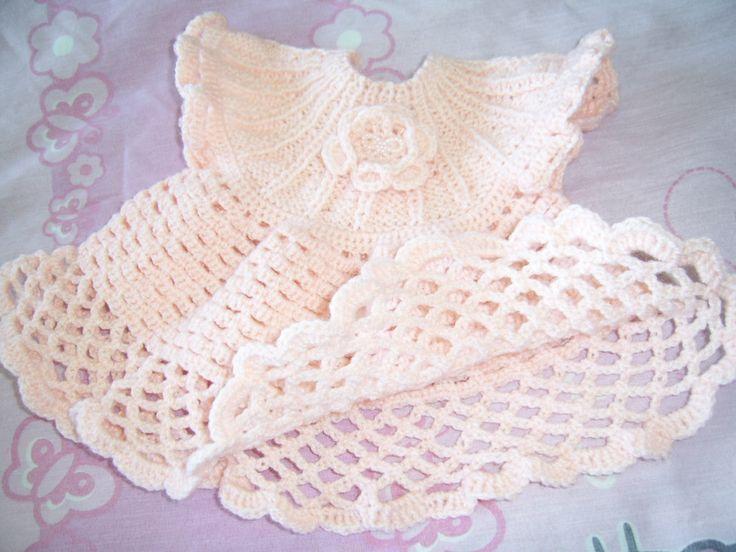 Vestidito niñita tejido en lana fina bebé. Pechera tejida a palillos - Faldón tejido a crochet.