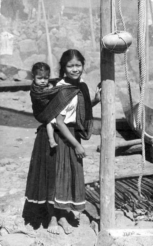 Niñas, Janitzio, Michoacán,  1940