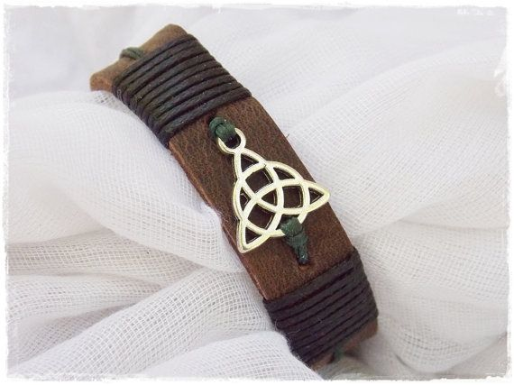 Handmade Leather Bracelet/Wristband with triquetra Charm ~ MADE TO ORDER ~  NOTE: Please allow 3-5 business days for the creation of the item.