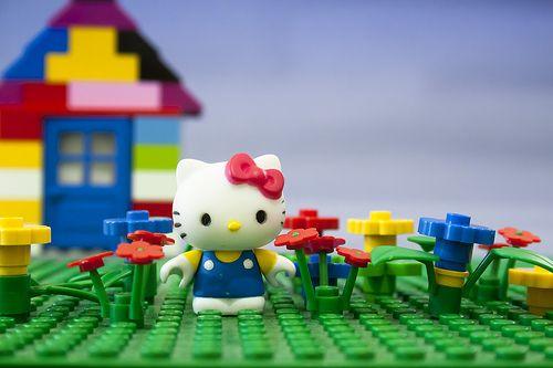 Hello Kitty Lego (well, kinda Mega Bloks but still)