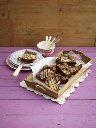 Das Rezept für Birnen-Nuss-Brownies vom Blech und weitere kostenlose Rezepte auf LECKER.de