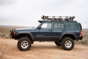 0503 4wd 05 z+2001 jeep cherokee sport+side