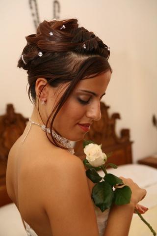 http://www.matrimonio.it/collezioni/acconciatura/forumine/774/29__zoom?v=0# Acconciatura sposa raccolto con punti luce
