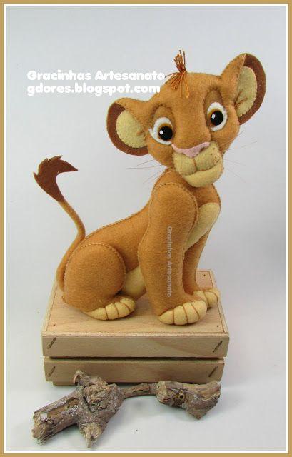 Felt King Lion handmade by Gracinhas Artesanato
