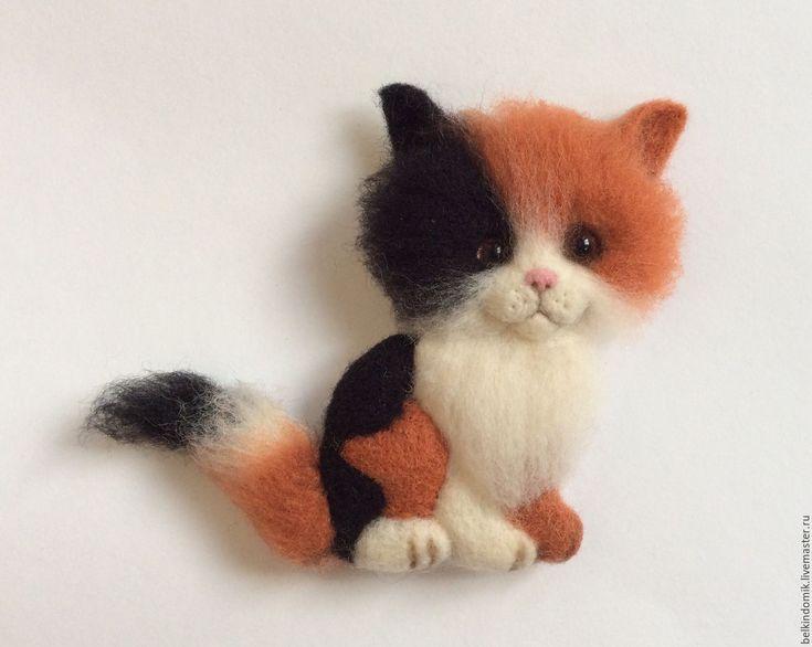 """Купить Валяная брошь """" Трехцветная кошка"""" - комбинированный, котенок, кошка, брошь ручной работы"""