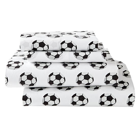 The Land of Nod Soccer Bedding is so great, it's ready to go pro. Made from comfy 100% organic cotton, the soccer sheet set features a printed design against a white background.