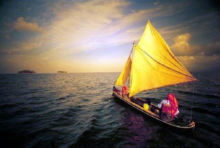"""«Il viaggio non finisce mai. Solo i viaggiatori finiscono. E anche loro possono prolungarsi in memoria, in ricordo, in narrazione. Quando il viaggiatore si è seduto sulla sabbia della spiaggia è ha detto: """"Non c'è altro da vedere"""", sapeva che non era vero. La fine di un viaggio è solo l'inizio di un altro…» (José Saramago)  (http://www.imieilibri.it/?p=20237)"""