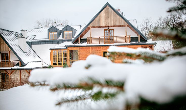 Pierwszy w Polsce prawdziwy Eko Resort przywracający HARMONIĘ CIAŁA i DUCHA wykończony ekologicznymi materiałami, ogrzewany energią odnawialną. Zobacz ->