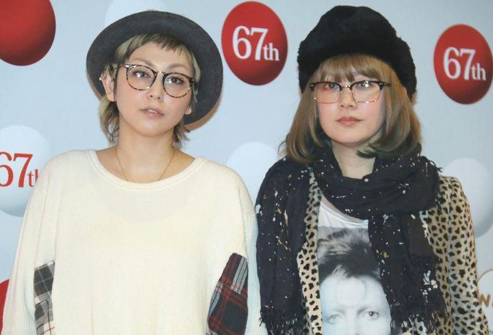「第67回NHK紅白歌合戦」のリハーサルに登場したPUFFYの大貫亜美さん(右)と吉村由美さん