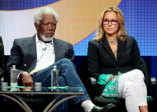 Morgan Freeman e Tea Leoni falam durante apresentação de Madam Secretary