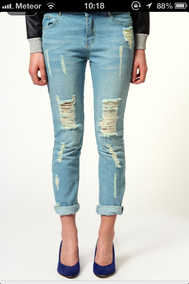 Love ripped jeans!!