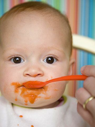 Introducing new tastes and textures to your child will be a fun experience. Here's some of the best advice from experts and moms on how to introduce your child to solid food.