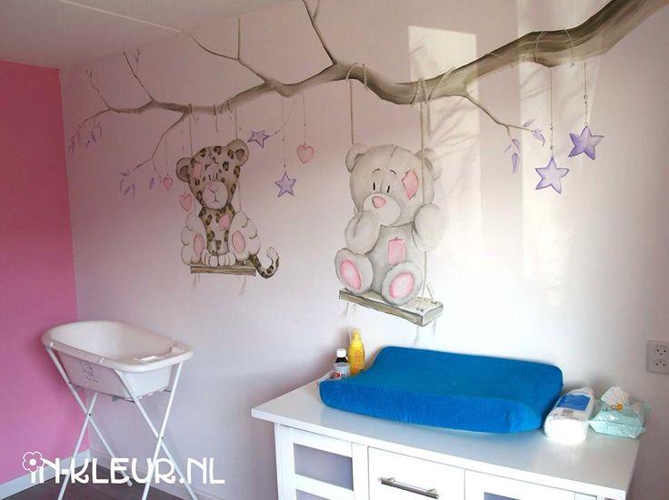 Muurschildering beertje babykamer
