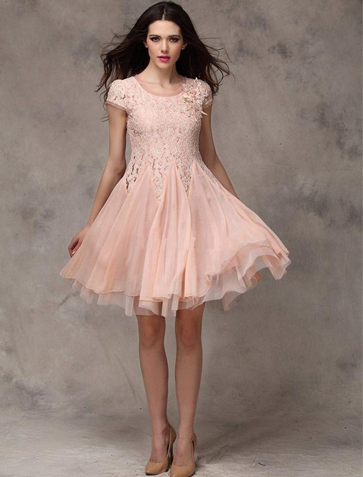 Růžové krátké šaty koktejlové krajkové
