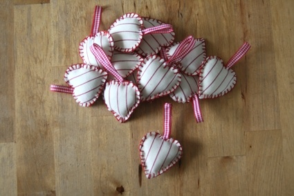 small hearts of fabric, nice for christmas decoration