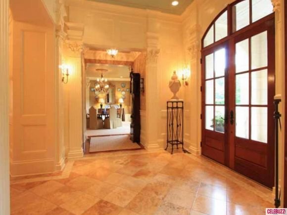 """""""Chrisley Knows Best"""" Home For Sale: Take The Tour   http://betweennapsontheporch.net/chrisley-knows-best-home-for-sale-take-the-tour/"""