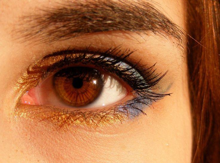Rychlý návod, jak jednoduše vyhladit oční vrásky