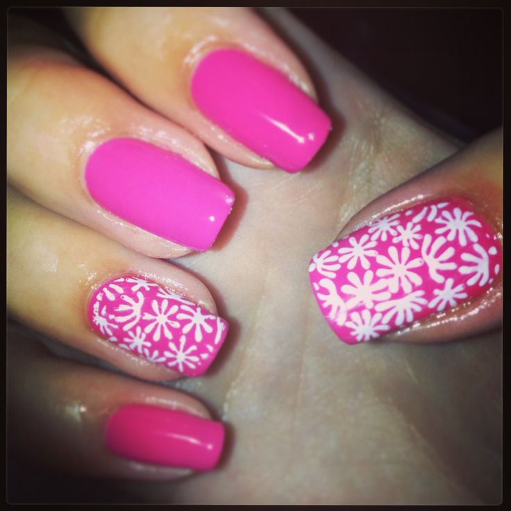 Pink bio sculpture nails with flowers! #biosculpture #nails #gel #pink #summer #flowers #white #nailart
