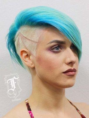 Dámské tattoo účesy pro krátké vlasy