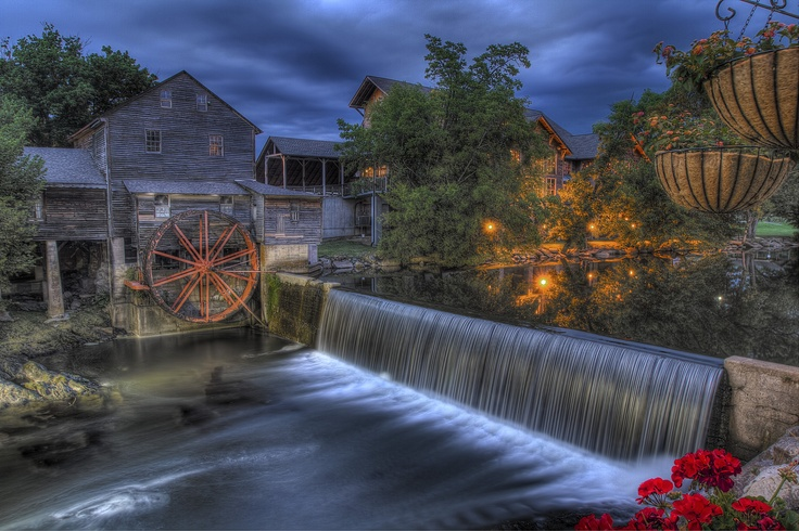 43 best summer in lake louise images on pinterest for Mountain flower cabin pigeon forge