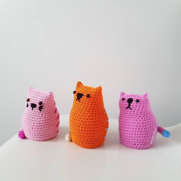 It's a kitty gang  Cute pattern by @pony.mctate