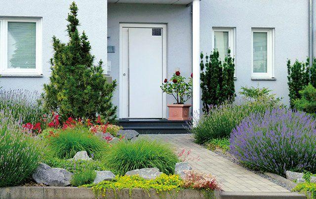 Den Vorgarten Des Hauses Mit Pflanzen Gestalten Renovieren De Vorgarten Vorgarten Ideen Vorgarten Gestalten