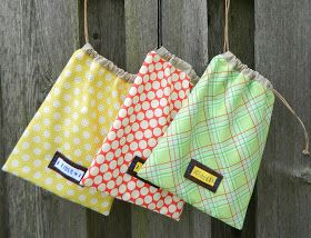 Super easy drawstring bag! Only requires two fat quarters and probably half an hour of time to make.