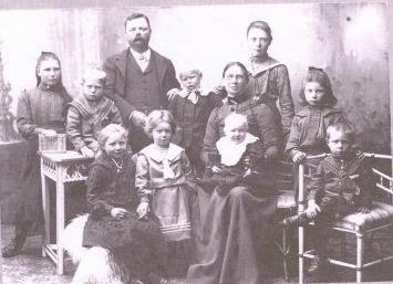 Wilhelm Fredrik Gronlund and family