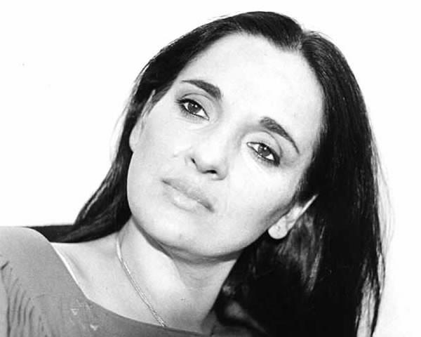 Maria Carta- Cantante indimenticabile la sua voce vibrata.