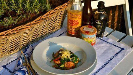 Fem snabba Anna Skipper maträtter Kyckling och spenat med zucchinispagetti