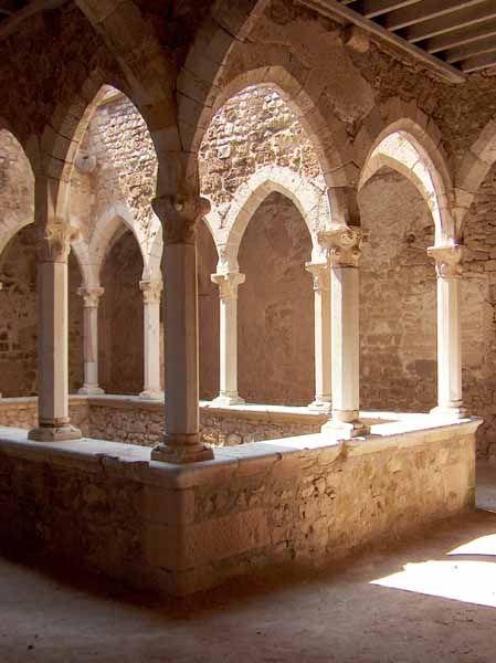 Cloître de l'Abbaye de Lérins – Île Saint-Honorat, Cannes, Alpes-Maritimes (France)