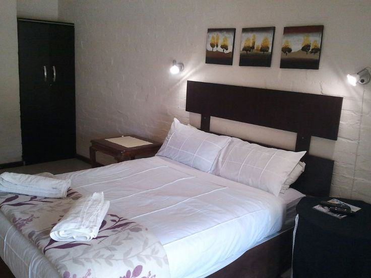 Boer & Brit Self-catering Guest House Accommodation Double Room