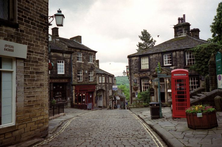 Because the cobbled streets just feel like home. | 57 Reasons Living In Yorkshire Ruins You For Life