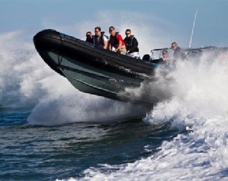 60 Minute Solent Powerboat Experience This RIB powerboat experience in Southampton lets you see the south coast from the sea, as you blast your way around the Solent in a powerful Rigid Inflatable Boat! This is a marvellously exhilarating http://www.MightGet.com/january-2017-11/60-minute-solent-powerboat-experience.asp