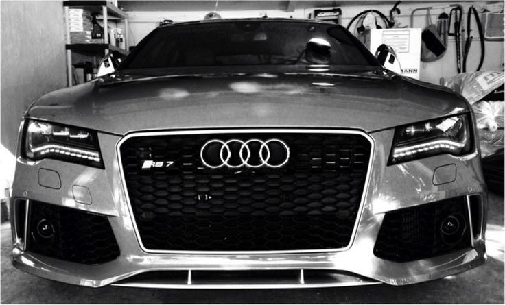 The master is out to talk business.  Photo credits: www.tapatalk.com  #Audi #RS7 #master #blackandwhite