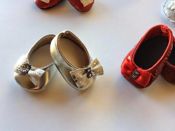 La zapateria de Nancy.!!!     Zapatos de diseño, realizados en piel , para que Nancy este siempre a la ultima.!!!   Se pueden realizar po...