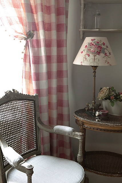 Family room: Love the red checked curtains and creme lamp shade with red flowers- want darker red on the curtains though
