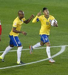 Brasil resuelve en el descuento con un gran Neymar