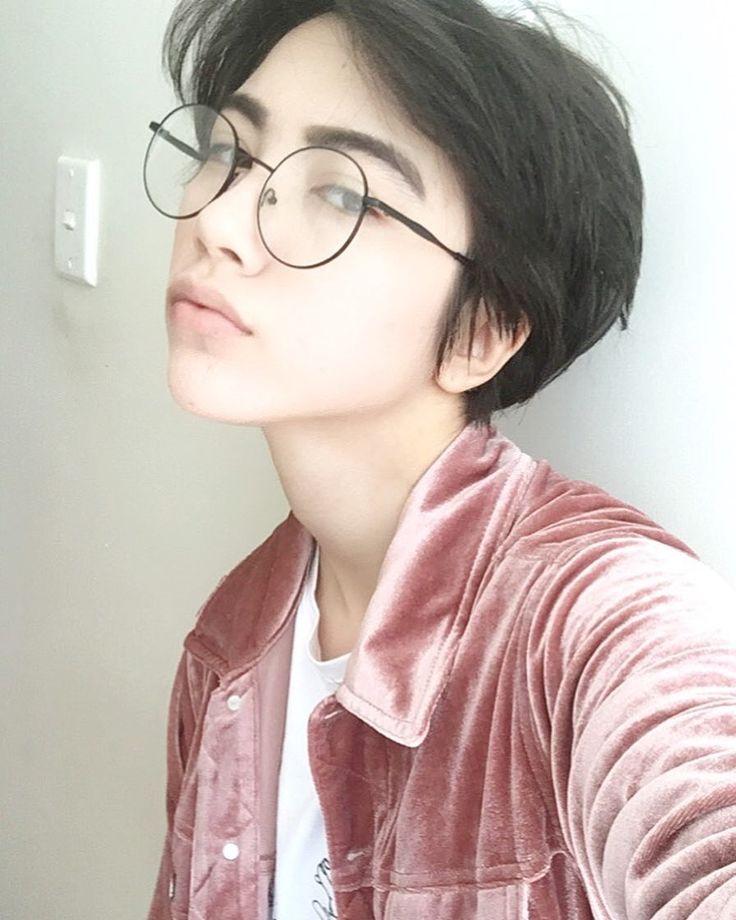 картинки парень в очках японец наличии конкретных
